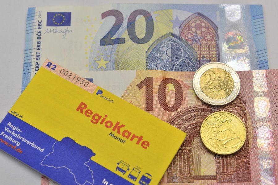 Sozialticket Regio-Karte11.05.2016, BZ - FRB: 32,50 Euro soll die nicht übertragbare Regiokarte kosten. Michael Bamberger